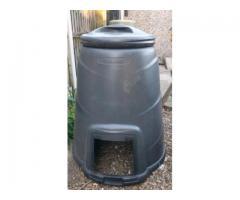 Free 330 litre comoost bin