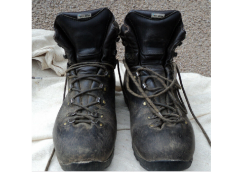 ALTBERG mens boots 10.5 EXTRA WIDE 4 season