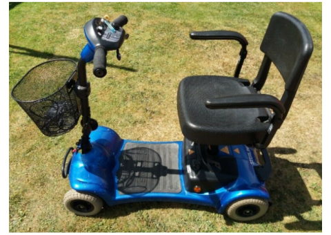 Great condition mobility scooter fits in boot